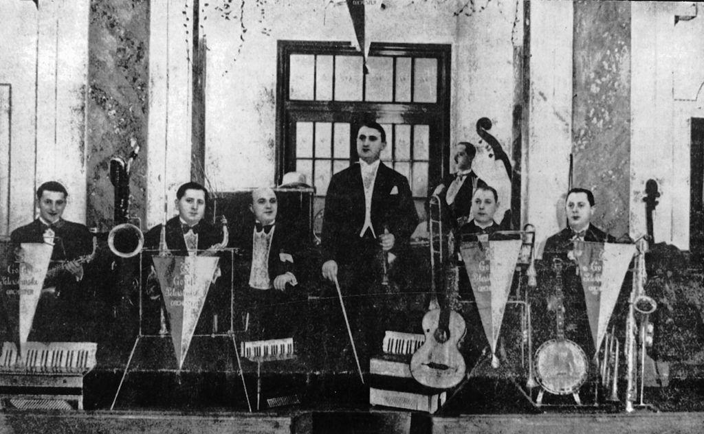 """Gold-Petersburski Band"" w Kawiarni i Restau022.jpeg"