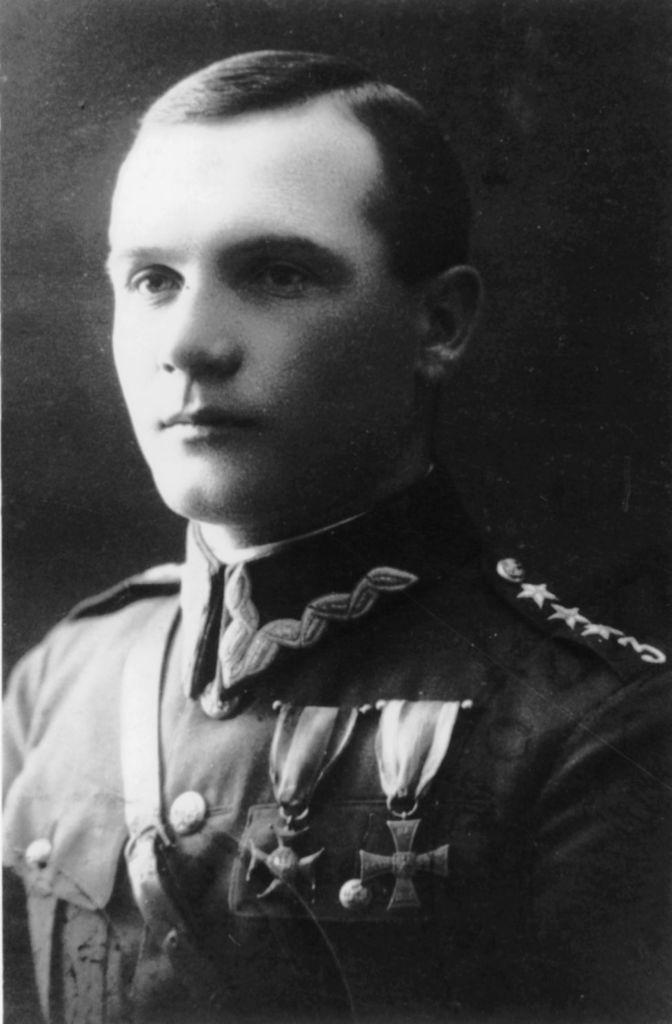 Kapitan Karol Complak, sekretarz Przemyskiego Koła Szybowcowego