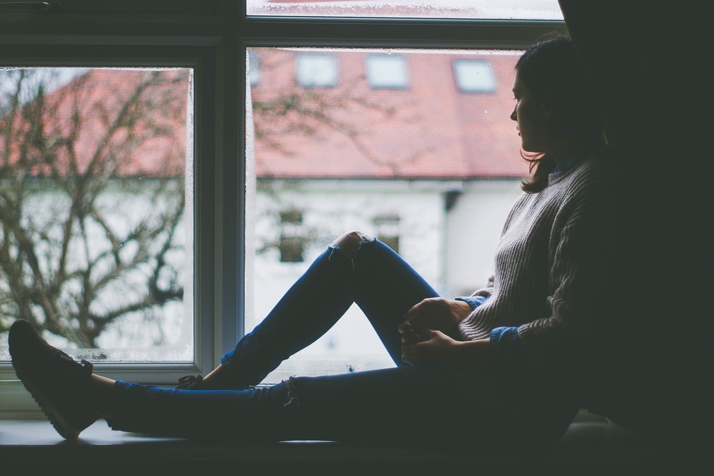 window-view-1081788_1920.jpeg