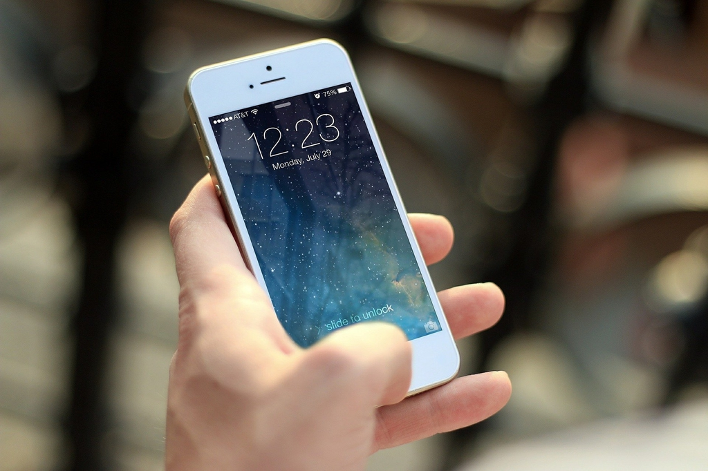 iphone-410324_1920.jpeg