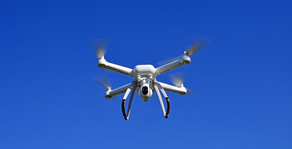 dron gł.jpeg