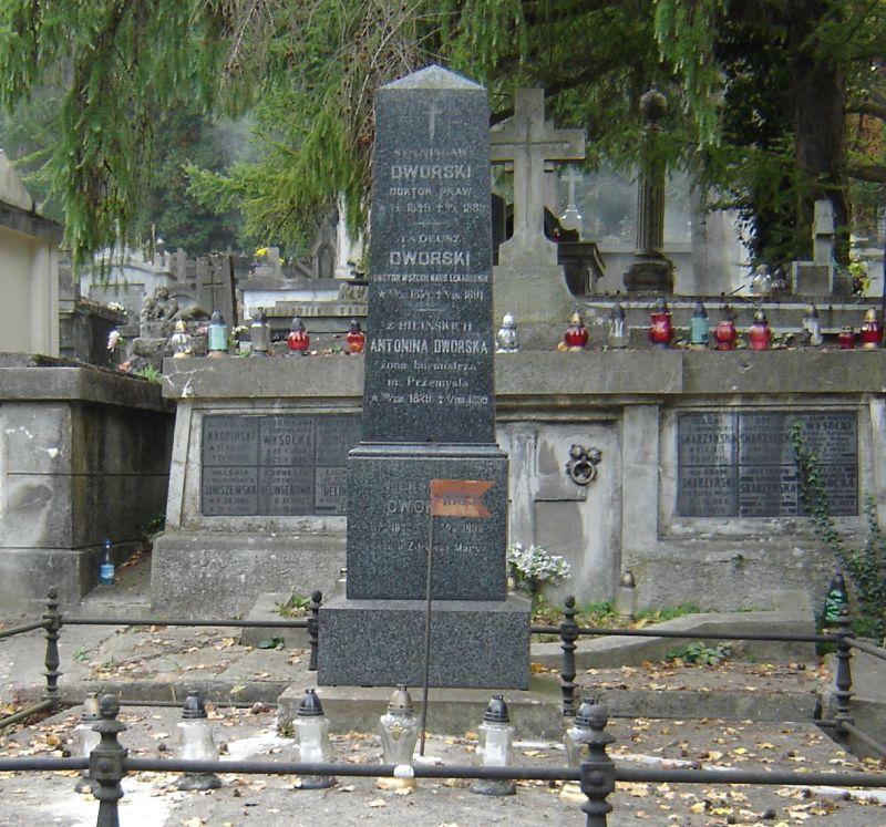 Grób Aleksandra Dworskiego, fot. z arch. M.Duma.jpeg