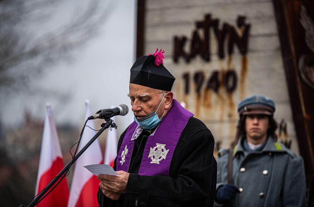 Wspólna modlitwa przed pomnikiem Zesłańców Sybiru i Ofiar Katynia