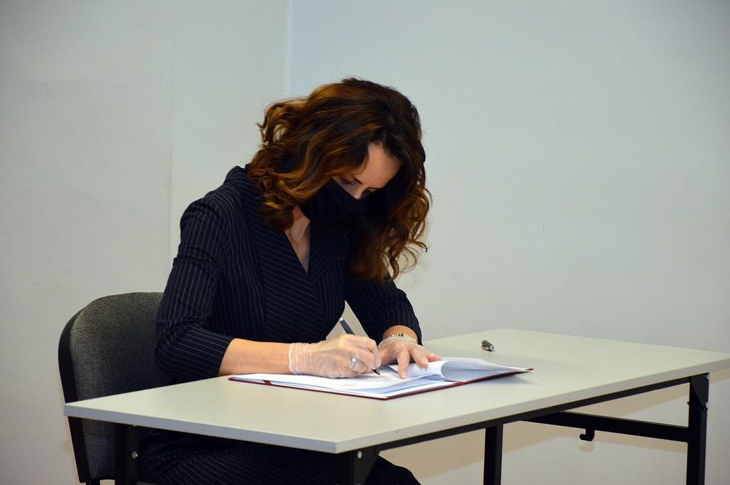 Porozumienie podpisuje dyrektor Justyna Nalepa-Harpula