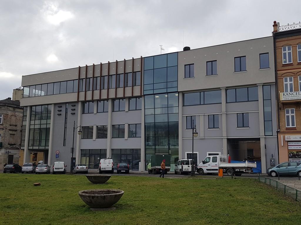 Zdjęcie budynku przy ulicy Ratuszowej 10a, w którym obecnie mieści się Przemyski Inkubator Przedsiębiorczości i Innowacji.
