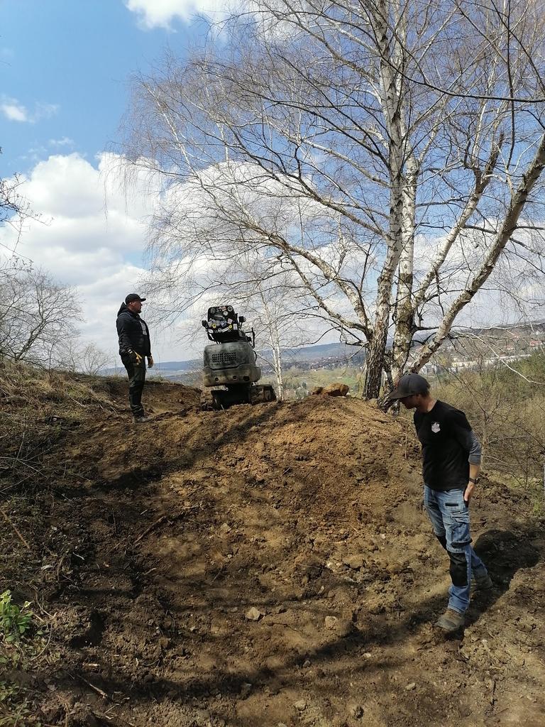 Prace przy budowie tras Fort Trails