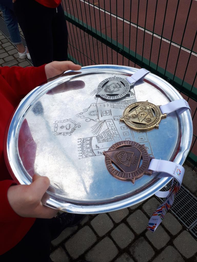 Medale przygotowane do wręczenia