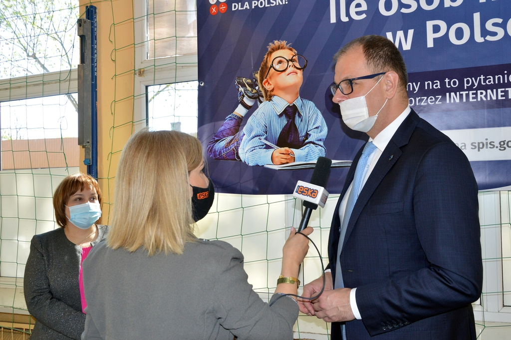 Prezydent Wojciech Bakun udzielający wywiadu