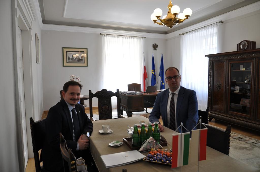 Spotkanie Konsula Generalnego Węgier w Krakowie z Prezydentem w gabinecie prezydenckim