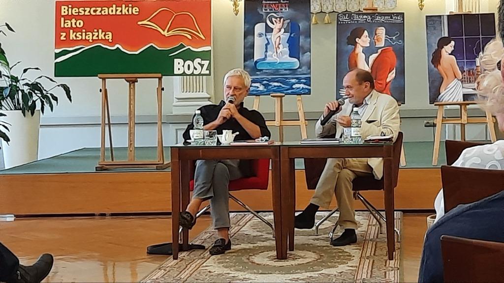 felietonista i dziennikarz Michał Ogórek oraz rysownik Henryk Sawka