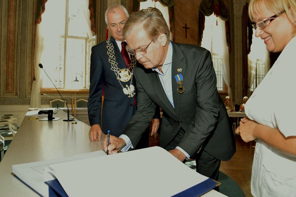 Karl Ernst Neuman - wyróżniony tytułem Zasłużony dla Miasta Przemyśla.