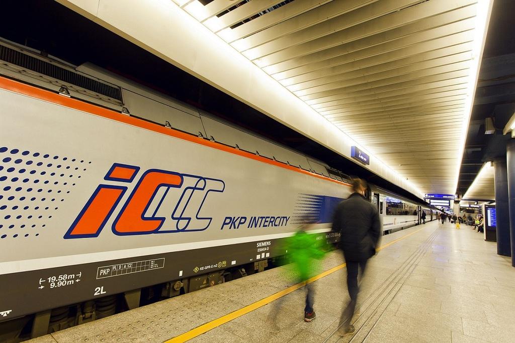 PKP Intercity 2.jpeg