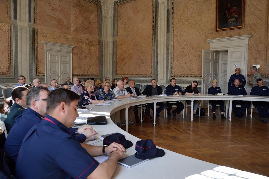 Konferencja_bezpieczeństwo_2.jpeg