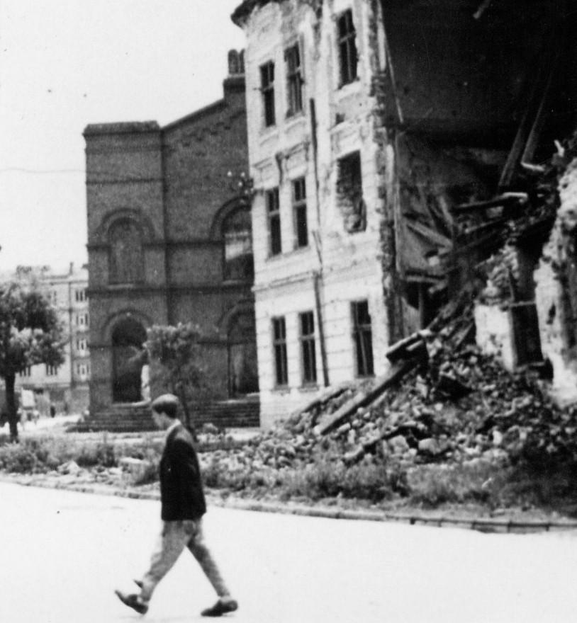 Stara Synagoga – widok od strony ul. Jagiellońskiej, fot. Wykonana po zakończeniu II wojny światowej wł. Autora.jpeg