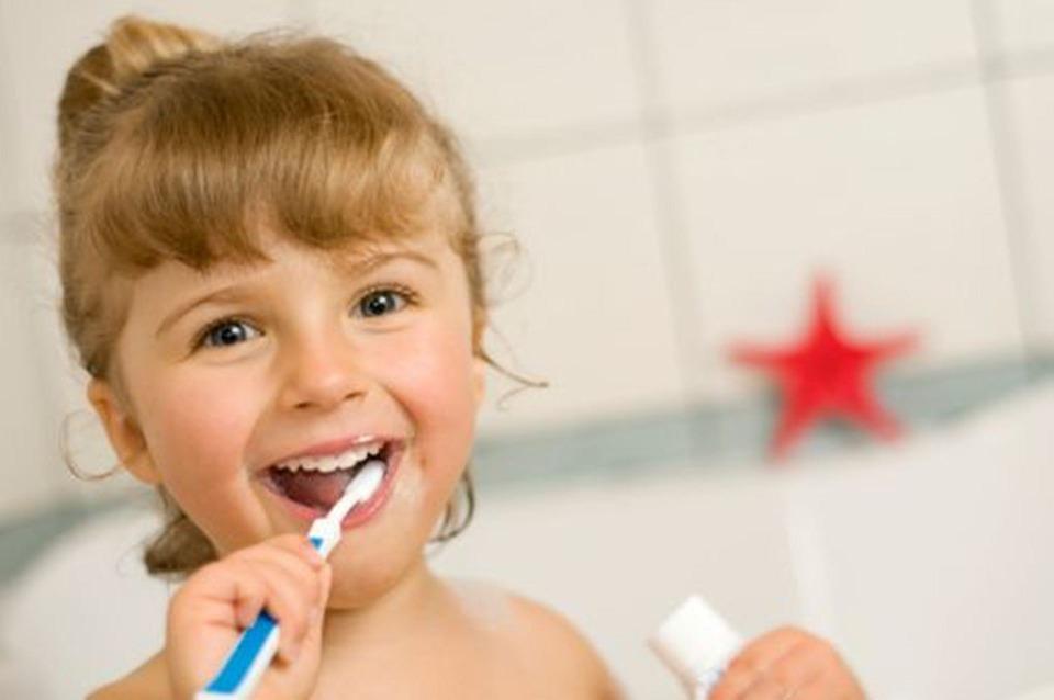 światowy dzień zdrowia jamy ustnej - dziewczynka.jpeg