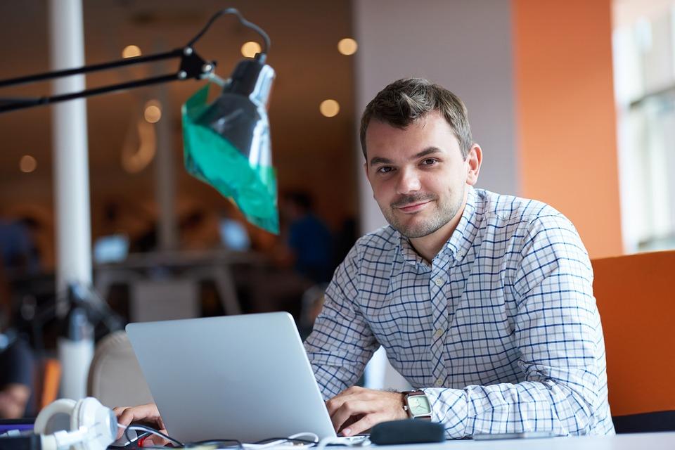entrepreneur-2326419_960_720.jpeg