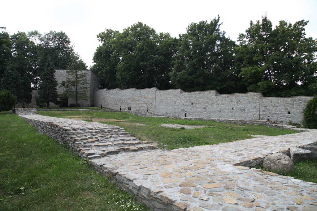Rotunda i Palatium Zamku Kazimierzowskiego po remoncie.jpeg