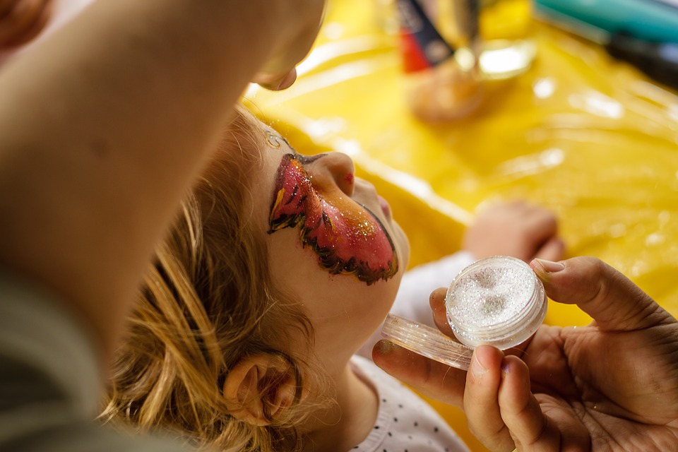 face-painting-1713769_960_720.jpeg