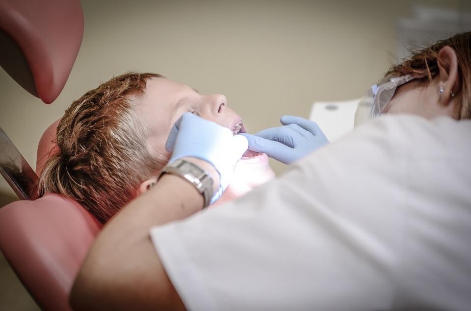 dentist-428646_960_720.jpeg