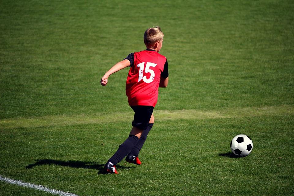 football-2853616_960_720.jpeg