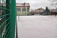 zdjęcie nowego boiska z bramką
