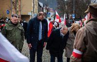 Złożenie kwiatów przed pomnikiem Zesłańców Sybiru i Ofiar Katynia