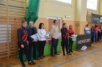 Grupa organizatorów turnieju oraz przedstawiciele Urzędu Miejskiego i POSiR