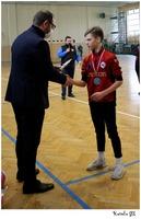 Prezydent Bogusław Świeży wręcza medale