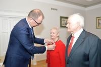 Wręczenie medalu za długoletnie pożycie Pani Stanisławie Kruty