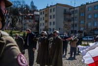 Złożenie kwiatów przy Pomniku Zesłańców Sybiru i Ofiar Katynia