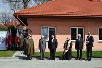 Uczestnicy uroczystości. Wśród gości Prezydent Wojciech Bakun
