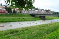 Kajakarze na Sanie w Przemyślu - widok na most kolejowy