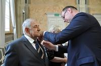 wręczenie medal za długoletnie pożycie