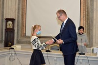 wręczenie stypendium przez Prezydenta Wojciecha Bakuna