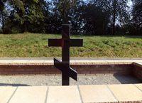 Galeria Cmentarz wojenny przy ul Obozowej po remoncie