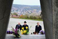 14.04.2017 - modlitwa pod Krzyżem Zawierzenia2.jpeg
