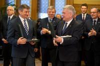 Galeria Marek Kuchciński, Marszałek Sejmu RP odznaczony Wielkim Krzyżem Orderu Zasługi Węgier.