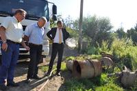 Galeria Niedaleko osiedla Kmiecie trwa bezwykopowa modernizacja sieci wodociągowej