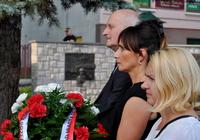 Galeria Odsłonięto tablicę upamiętniającą ofiary bitwy pod Zadwórzem