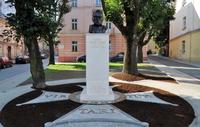 Galeria Marszałek Piłsudski wrócił na róg Mostowej i Wodnej. Zupełnie odnowiony pomnik prezentuje się znakomicie