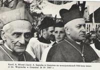 Kard. A. Hlond i kard. A. Sapieha w Gnieźnie na uroczystościach 950-lecia śmierci św. Wojciecha w Gnieźnie 26 IV 1947 r.