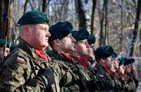 Galeria Do lasu na Lipowicy wrócił krzyż przypominający o okrutnej kaźni