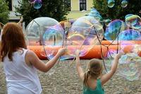 soap-bubbles-3535474_960_720.jpeg