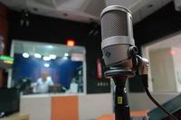 microphone-1562354_960_720.jpeg