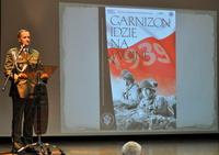 Galeria Garnizon idzie na wojnę