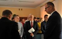 Galeria Uratował życie koledze. Prezydent Miasta Przemyśla oraz Prezes PWiK-u uhonorowali bohatera