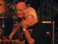 """Galeria Old Breakout dał czadu! Muzycy legendarnego zespołu """"Breakout"""" porwali przemyską publiczność"""