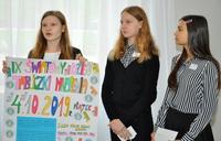 Galeria Młodzi przemyślanie sprawdzają, czy dorośli tabliczkę mnożenia znają