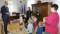 Galeria Przemyśl coraz bliżej świąt, a przedszkolaki składają życzenia