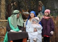 Galeria Kacper, Melchior i Baltazar, a wraz z nimi tysiące przemyślan, oddało hołd Dzieciątku Jezus